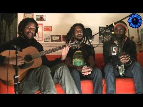 Reggae Juice acoustic with Rootz Underground