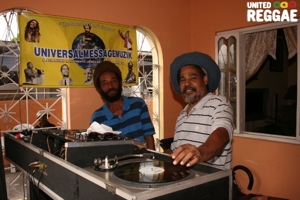Selectors playing music at Gregory's home © Steve James