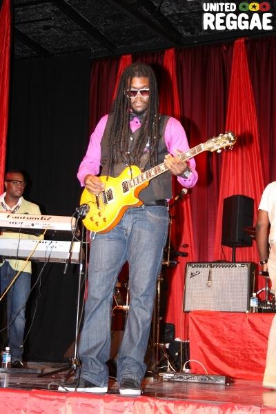 Guitarist, Lamont 'Monty' Savory © Steve James