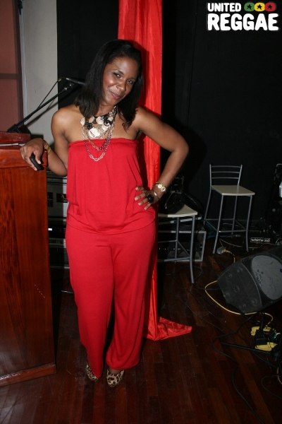Co host Tazhna Williams © Steve James