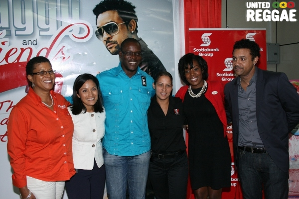 Major sponsors of the vent pose with Shaggy © Steve James