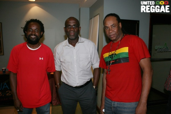 Singer Robert Ffrench, Dennis Howard and Anthony Red Rose © Steve James
