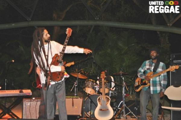 Julian Marley and Aston Barrett Jr (bass) © Gail Zucker