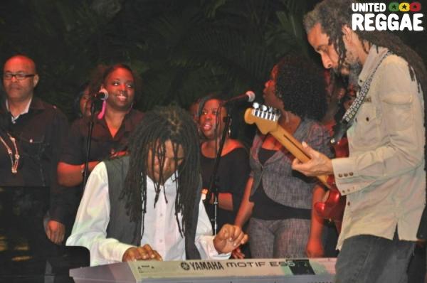 Jimmy, Bagga and Choir © Gail Zucker