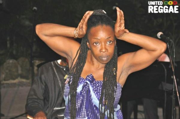 Chipo Chemoya Afamefuna - African dancer © Gail Zucker