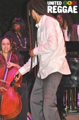 Julian Marley with cello player © Gail Zucker