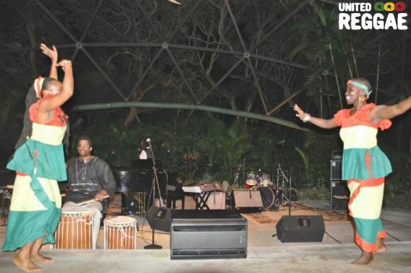 Chipo Chemoya, Anita McBeth and Derron Linyear (drums) © Gail Zucker