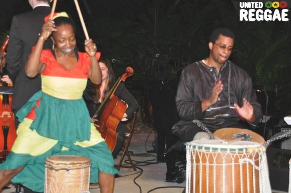 Chipo Chimoya and Derron Linyear © Gail Zucker