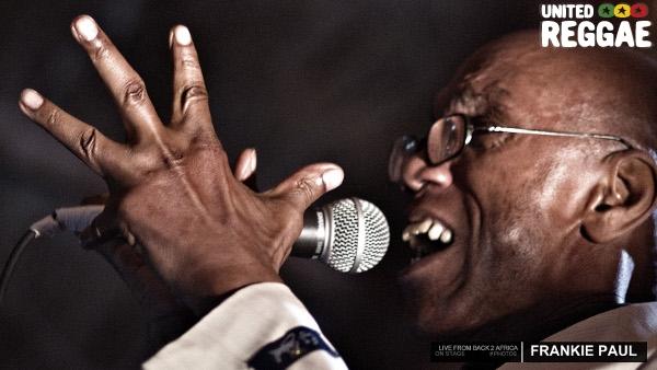 Frankie Paul on stage © Aude-Emilie Dorion