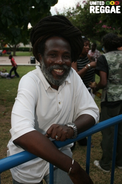 Bess FM DJ and Jah Love selector Gary I © Steve James