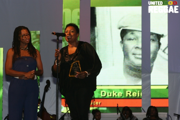 Nicole Brown accepting a posthumous award on behalf of  the late Duke Reid from Babsy Grange © Steve James