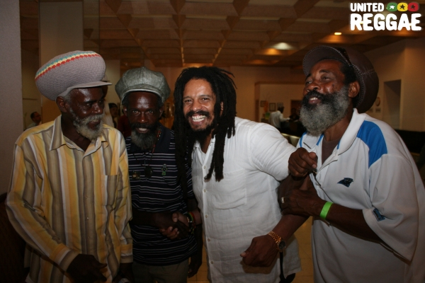 Rohan Marley and fans © Steve James