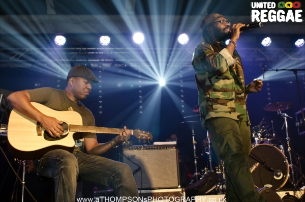Mitchum Chin and Tarrus Riley © Andrew Thompson