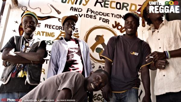 Hard Breaka and Unity Records crew © Aude-Emilie Dorion