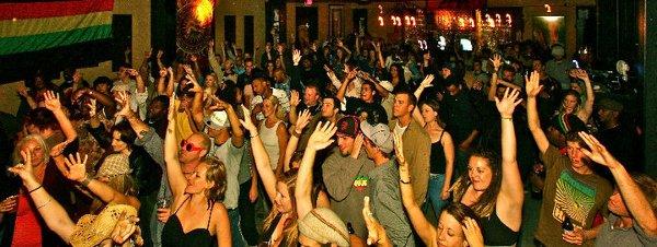 The crowd (Sebastopol) © DJ Guacamole