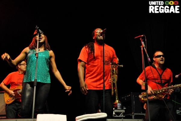 Jimmy Cliff backup singers © Phunked-up Photography