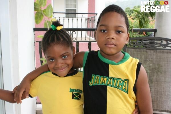 Kids dressed in Jamaican colors © Steve James