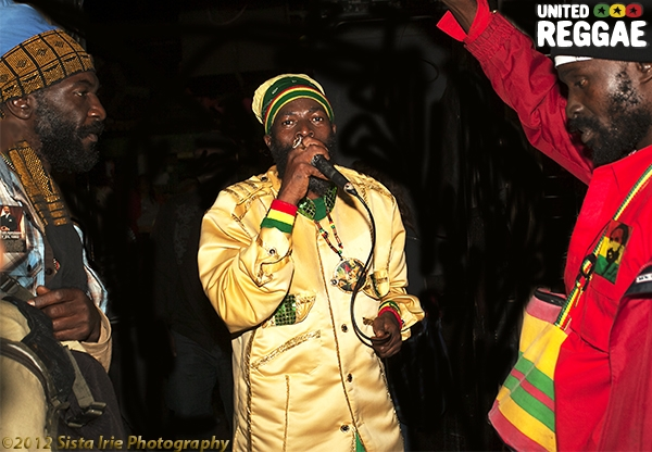 Jah Thunder, Capleton and Kulcha Knox © Sista Irie