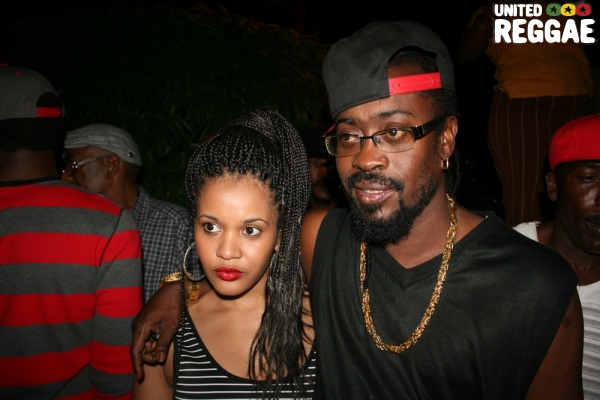 Beenie Man and fan © Steve James