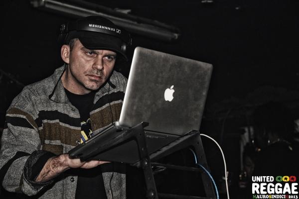 One Love Hi Pawa sound system © Mauro Sindici