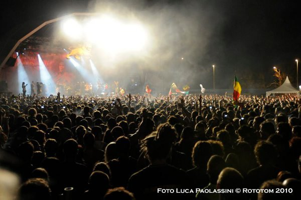 The crowd © Luca Paolassini / Rototom 2010
