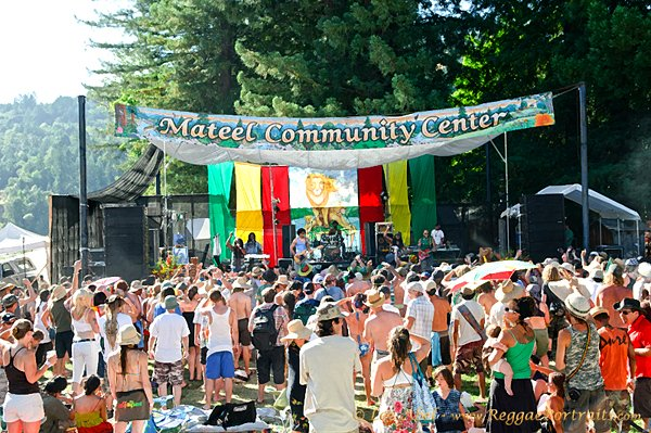 Reggae on the River stage © Lee Abel