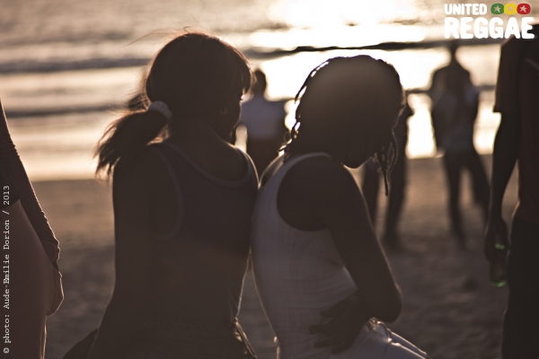 Two girls at the Beach Party © Aude-Emilie Dorion