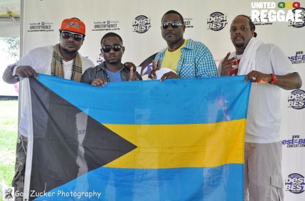 Bahamian Flag © Gail Zucker