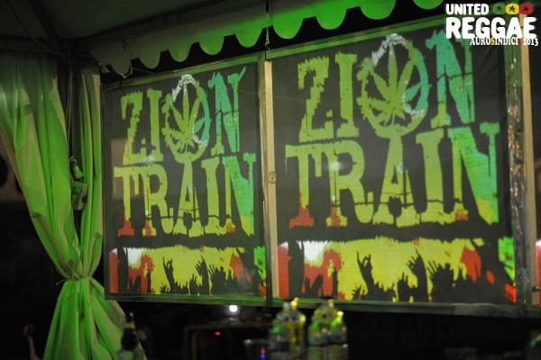 Zion Train © Mauro Sindici