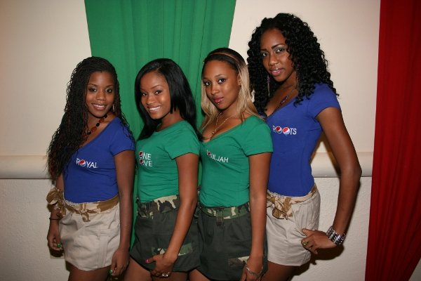 Pepsi Girls © Steve James