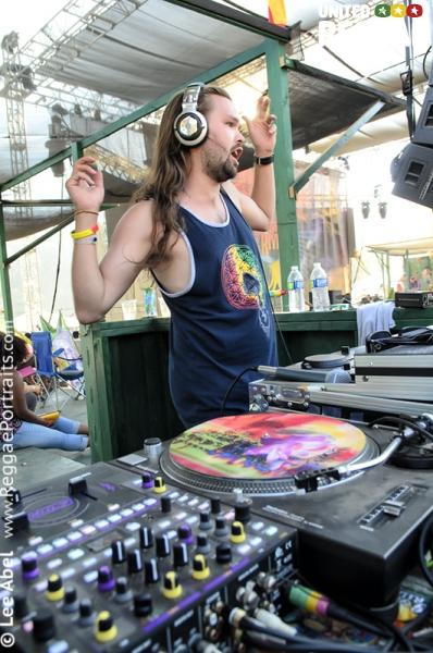 DJ © Lee Abel
