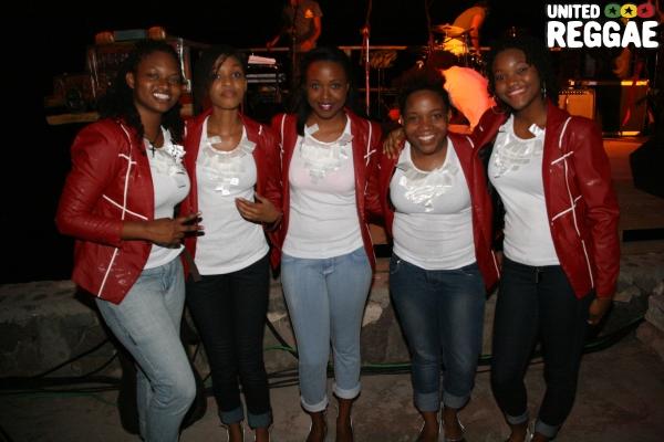 Adahzeh & all female Reggae band © Steve James