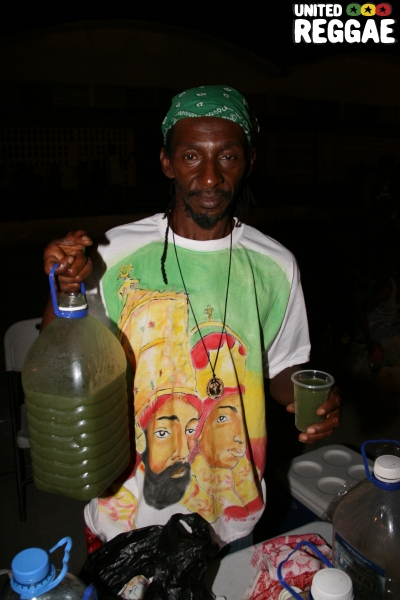 Viva, Natural Juice vendor © Steve James