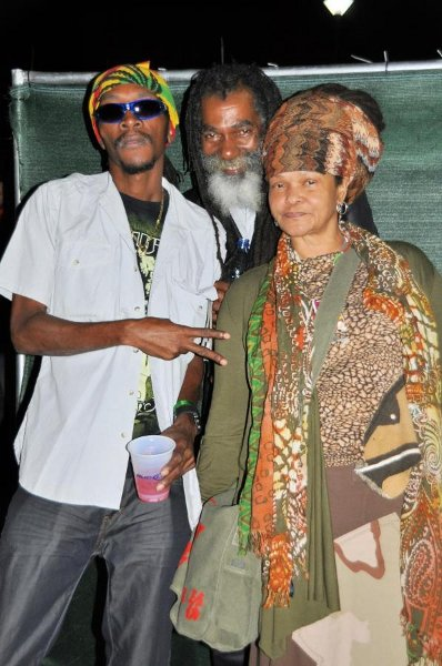Squidly Cole, Don Carlos and Dera Thompson © Gail Zucker