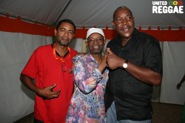 Beres Hammond & fan © Steve James