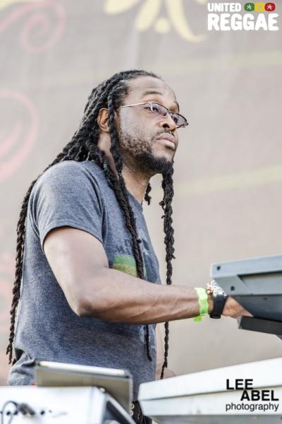 Dwight Duke Dawes / Reggae Angels © Lee Abel
