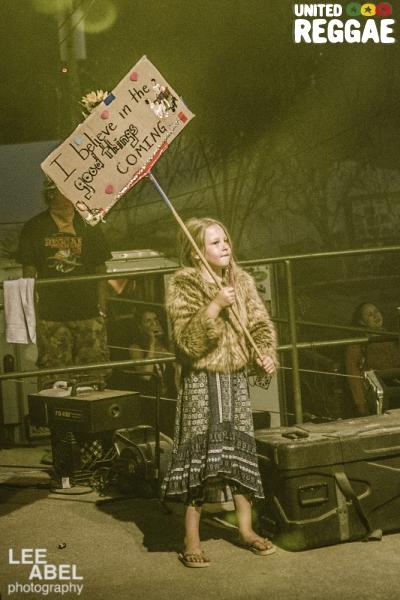 Back of stage during Nahko © Lee Abel