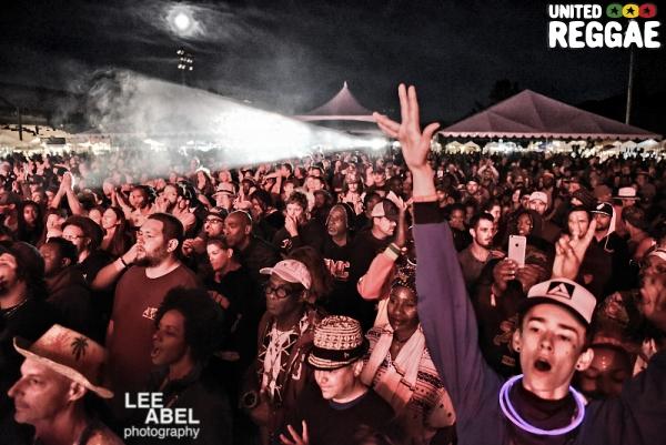 Alpha Blondy crowd © Lee Abel