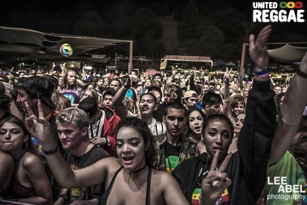 Night crowd © Lee Abel