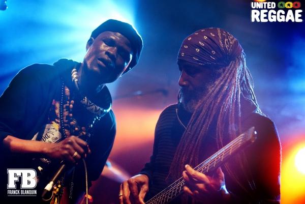 Puppa Lek Sen and musician © Franck Blanquin