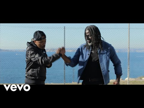 Tiken Jah Fakoly Le monde est chaud (feat. Soprano)